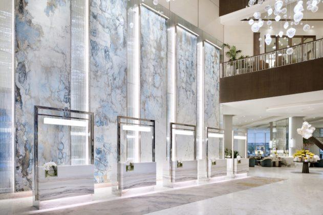Beth Nicholas art commission at Address Downtown Dubai June 2018 © Nicolas Dumont courtesy of Address Downtown 06 631x421 - The Address Downtown Dubai